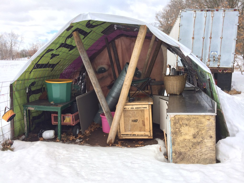 the support beams we added before leaving succeeded in keeping the processing tent upright, despite the heavy snows.